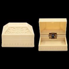 Warner Signed Art Deco Cream & Ecru White Scrollwork Relief Jewelry Ring Box Casket