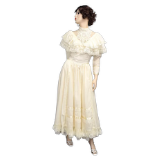 c1970s Stunning Victorian Revival Cream White Lace & Ruffle Formal Dress