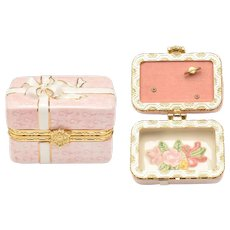 "The San Francisco Music Box Company Pink Present Ceramic ""My Favorite Things"" Singing Trinket Box"