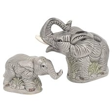 Pair of Handpainted Mother & Baby Elephant Trunk Up Good Luck Ceramic Salt & Pepper Shakers