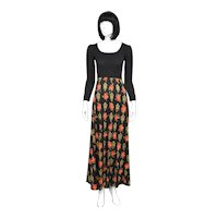 Lanz Designer Ribbed Scoop Neck Long Sleeve Bodice Black & Red Rose Flower Print Long Skirt Maxi Dress