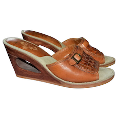 c1970s Kinney Shoes Brazil Made Woven Leather Wood Cut-out Heel Slip On Sandals