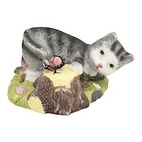 c1999 GEI Playful Gray Tabby Kitty Cat & Butterfly Painted Porcelain Figurine