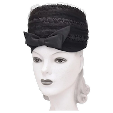 c1960s Kutz Signed Black Raffia Straw Netted Veil Toque Hat