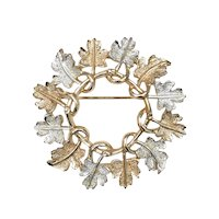 Sarah Coventry Signed Silver/Gold Tone Metal Elm Leaf Figural Wreath Brooch/Pin ~ Perfect for Fall!