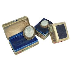 c1900s Carved Light Green Jade Gilt Silver Chinese Ring / Fur Clip Set in Original Boxes