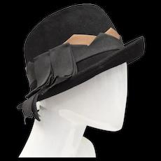 c1940s Neumann-Endler / Fair Field Black Wool Cloche Hat w/ Brown Diamond Pattern & Ribbon Accent