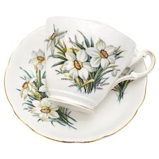 Regency English Poet's Narcissus Daffodil Bone China White Porcelain Tea Cup & Saucer