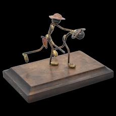 """""""You're Under Arrest"""" Mason Prod. of Calif. Officer & Criminal Metal Wire Sculpture on Wood Base"""