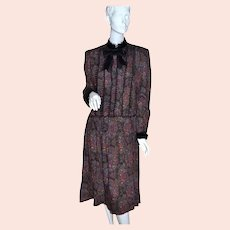 Miss O by Oscar de la Renta for Saks Fifth Avenue Victorian Revival Black Lace Velvet & Red Paisley Rose Print Dress - Size 10