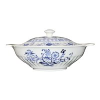 J & G Meakin Blue Nordic English Ironstone Vegetable Bowl with Lid / Covered Server