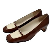 c1970s Delman Two Tone Spectator Style Chocolate Brown Leather Buckle Accent Pumps / Heels - Size 8.5 M