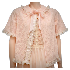 c1950s Mistee Designer Pale Blush Pink Lace & Nylon Bed Jacket - Size Small