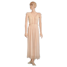 Art Deco Era Luxite Designer Pale Peach Pink Chiffon, Nylon & Lace w/ MOP Buttons Long Maxi Nightgown