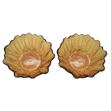 c1970s Pair of Indiana Glass Lily Pons Pattern Scalloped Petal Rim Figural Amber Glass Bowl
