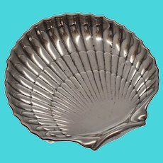 "c1944 Hallmarked Gorham Sterling Silver 6"" Clam Shell Figural Tray Dish w/ Ball Feet"