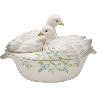 Incredibly Beautiful Dove Bird & Forget Me Not Flower Figural Hand Painted White Ceramic Serving Dish / Soup Tureen