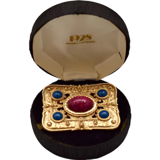 1928 Jewelry Co. Victorian Revival Large Faux Gemstone Cabochon Brooch / Pin