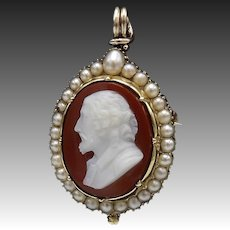Early Victorian 15kt Gold William Shakespeare Hardstone Cameo Pendant Brooch