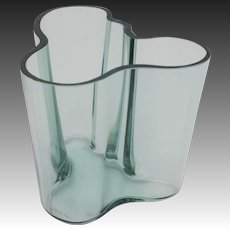 Aalto 1940's Winter Green Savoy Glass Vase