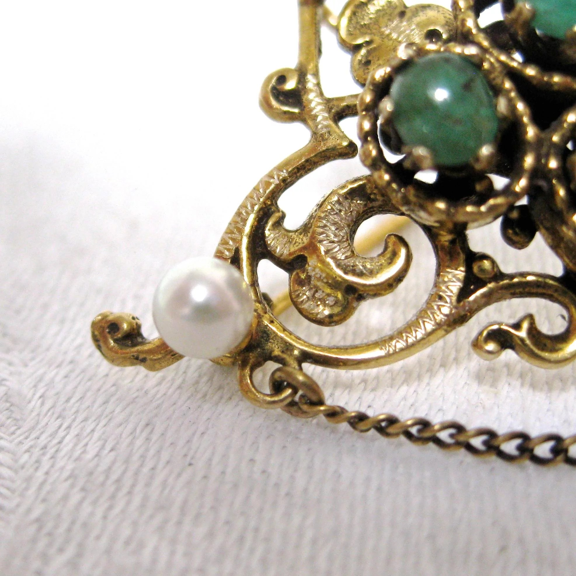 pearl long emerald renaissance brooch dangle gold vintage pin drop faux