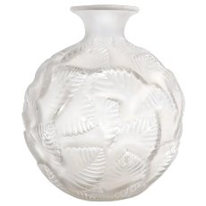 Rene Lalique Ormeaux Vase, circa 1926