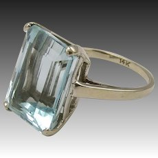 14KT White Gold Aquamarine Ring