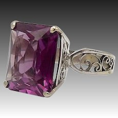 18kt White Gold and Synthetic Alexandrite Ring