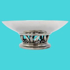 Rare Georg Jensen Hand-Hammered Sterling Silver Cone and Leaf Footed Bowl, circa 1930s