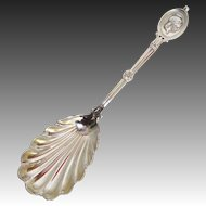 John Wendt Sterling Silver Medallion Pattern Master Berry Spoon (1862)