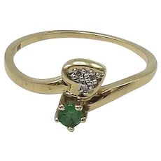 Vintage Emerald and Diamond 14KT Gold Ring
