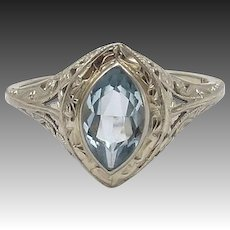 Art Deco 18 KT White Gold Aquamarine Ring