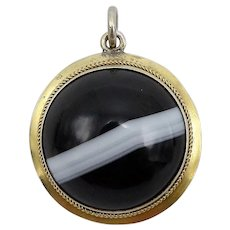 Victorian Banded Agate 9KT Gold Round Stone Locket