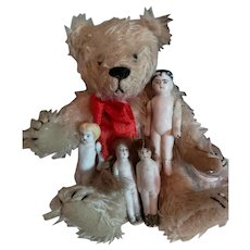"""6"""" Artist Made Bear with 4 Stone Bisque Dolls"""