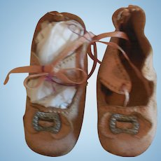 "2 3/8"" Pale Pink Leather Doll Shoes"
