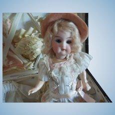 "8"" Simon Halbig K*R Doll in Trunk w/ Original Clothes"