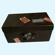 "5 1/2"" x 3"" x 2 3/4"" Black Cardboard Trunk with Labels"