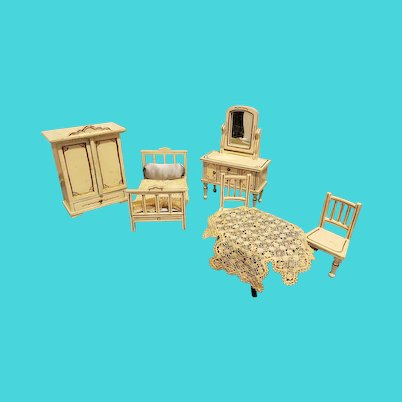 Antique White Doll Furniture