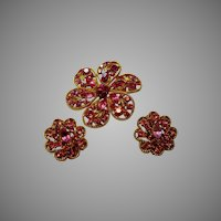 Vintage Weiss Pin and Earrings Set in Hot Pink Rhinestones