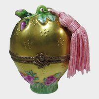 Limoges Rochard Hand Painted Box Containing A Frosted Heart Shaped Perfume