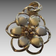 14 Karat Italian Yellow Gold Multi Dimensional Flower Pendant