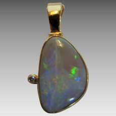 18 Karat Jelly Opal Enhancer With Diamond Accent