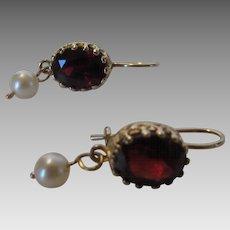 14 Karat Yellow Gold Garnet Pearl Drop Earring