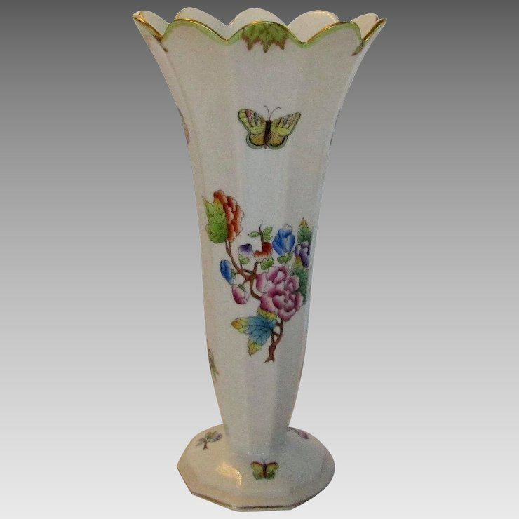 Herend Older Mark Vase With Flowers And Butterflies Style And