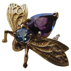 14 Karat Yellow Gold Fly Pin With Amethyst Body and Blue Topaz Head