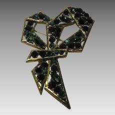 Vintage Weiss Garnet/Green Colored Rhinestone Modernistic Bow Pin