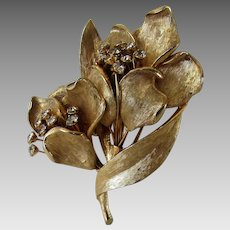 Vintage Kramer Brushed Goldtone Flower Pin With Clear Crystal Accents