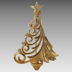 Vintage JJ Christmas Tree Pin in Goldtone With Clear Crystal Accents