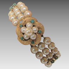 Cultured Pearl Emerald Bracelet with 14 Karat Yellow Gold Clasp