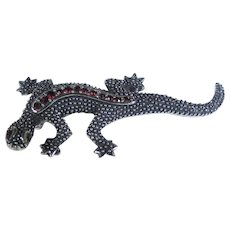 Vintage Silver Tone Lizard Pin With Red Crystal Accents